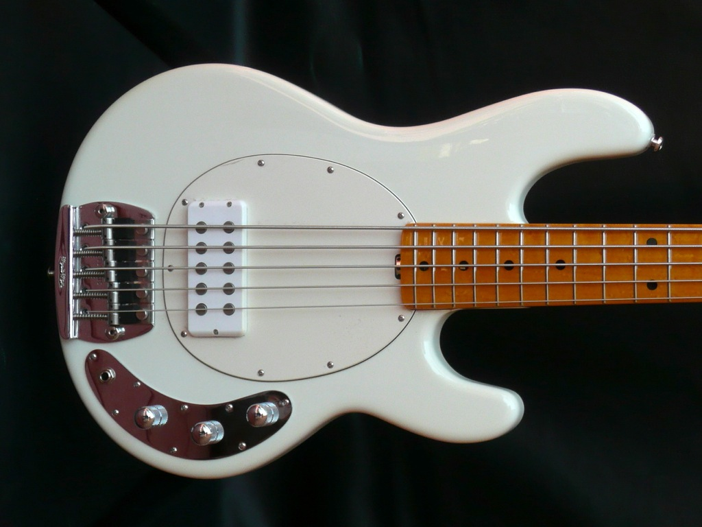 music man sting ray classic 5 string bass guitar luthiers access group. Black Bedroom Furniture Sets. Home Design Ideas