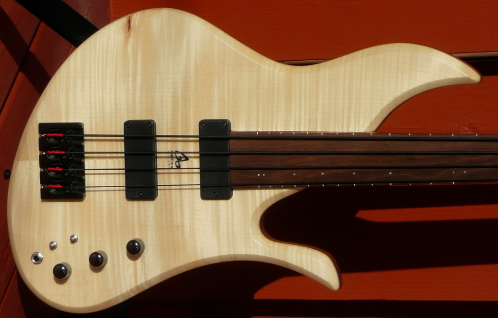 aquilina triton fretless bass guitar with delano pickups luthiers access group. Black Bedroom Furniture Sets. Home Design Ideas