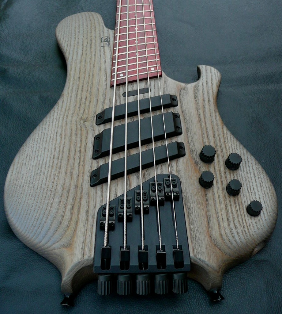 le fay pangton multiscale 5 string electric bass guitar luthiers access group. Black Bedroom Furniture Sets. Home Design Ideas