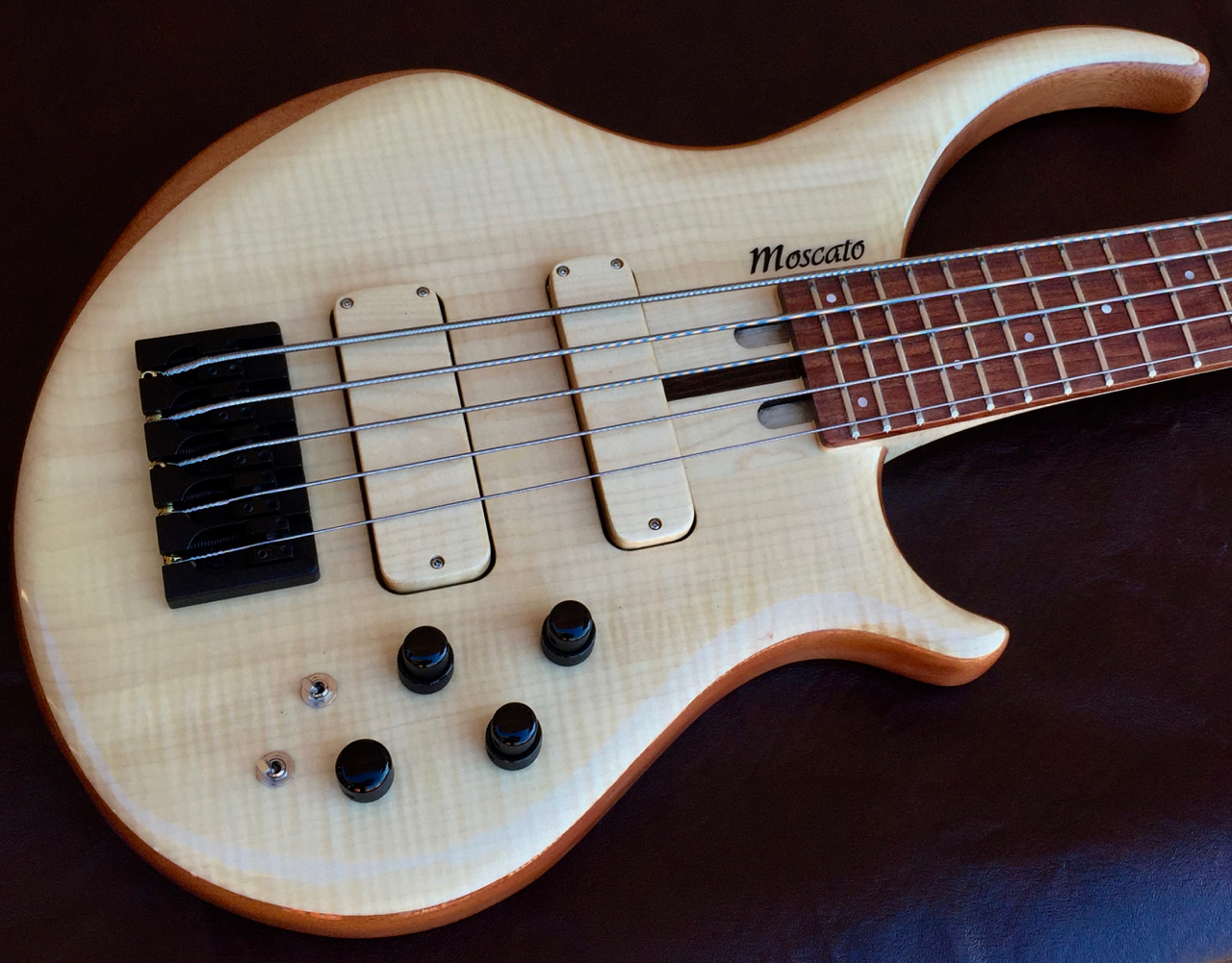 moscato basses flona 5 string electric bass guitar john east preamp luthiers access group. Black Bedroom Furniture Sets. Home Design Ideas