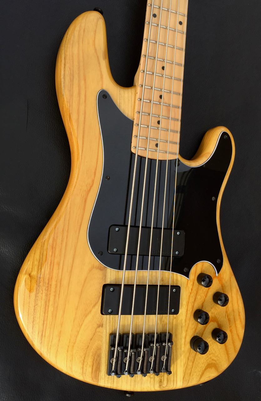 duvoisin standard custom deluxe bass guitar natural luthiers access group. Black Bedroom Furniture Sets. Home Design Ideas